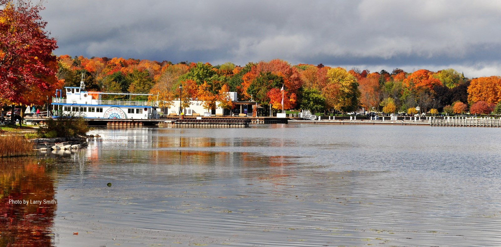 Fall by the water in Orillia